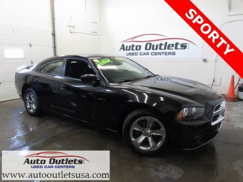 Pre-Owned 2014 Dodge Charger SXT RWD 4D Sedan